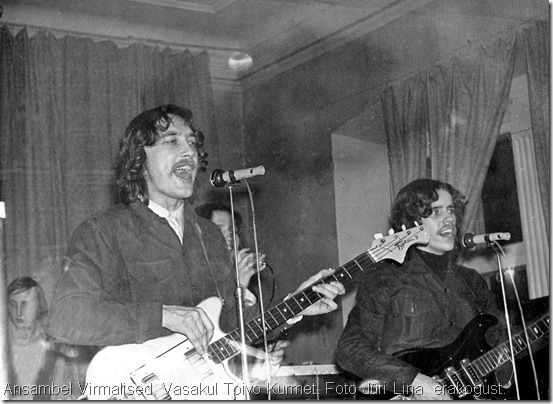 Toivo Kurmet (vasakul) oli Virmaliste liidrina eesti oma ja ehtsa biitmuusika teerajaja